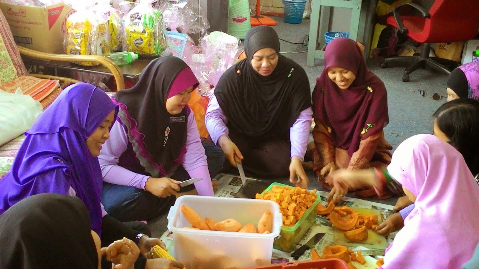 Majlis Khatam Al-Quran dan Gotong Royong memasak bubur asyura SK Sungai Samak, PPD Hilir Perak, Teluk Intan