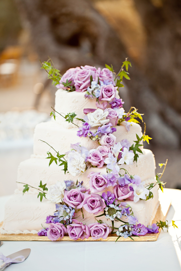 Bride+bridal+vineyard+winery+wine+purple+violet+Lavender+centerpieces+roses+dried+rustic+outdoor+spring+wedding+summer+wedding+fall+wedding+california+napa+valley+sonoma+white+floral+Mirelle+Carmichael+Photography+18 - Lavender Sprigs