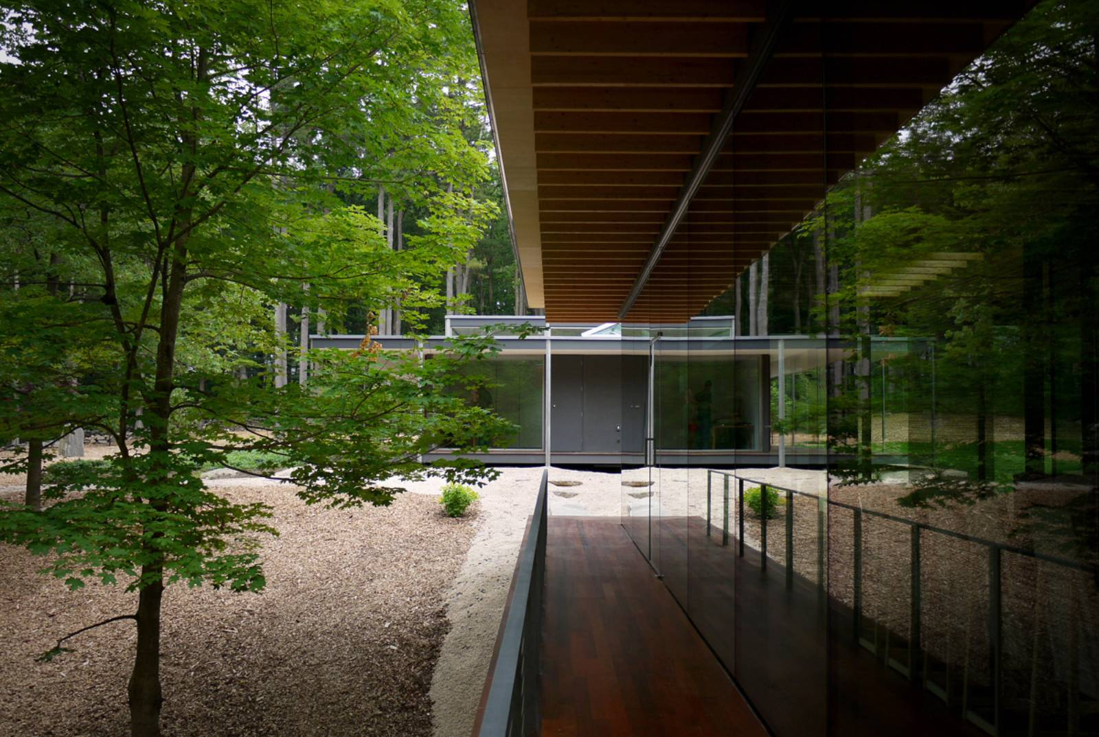 Wood Architecture: Architecture Now And The Future: GLASS/WOOD HOUSE BY KENGO