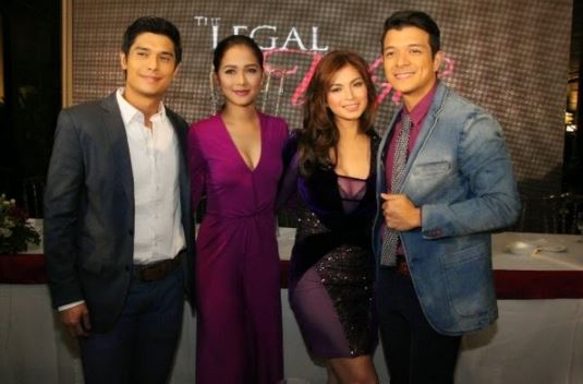 """THROWBACK: Angel Locsin And Jericho Rosales Was Spotted At The LRT And MRT During Their """"The Legal Wife"""" Days!"""
