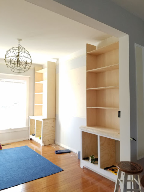 how to make shelves with bench in between them.