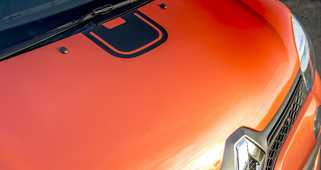 Renault Twingo GT bonnet stripe