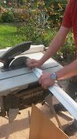 Treppenrenovierung - Stabillisierungsprofil messen und zuschneiden 2