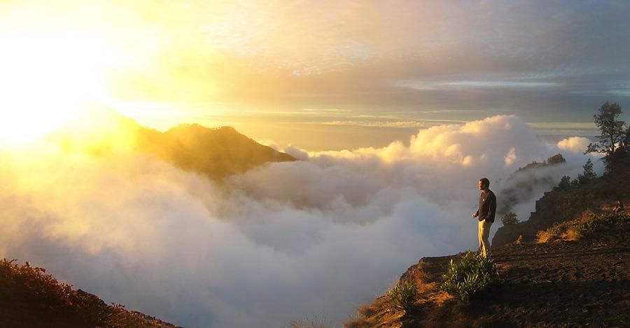 Sunset, Matahari terbenam dari Plawangan Sembalun 2639 meters