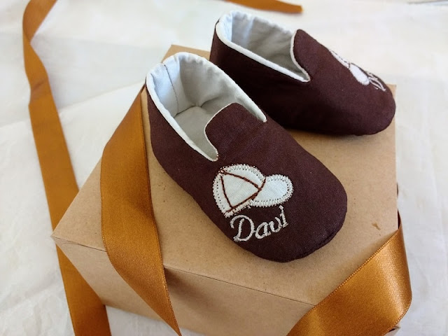 Sapatinhos de tecido para bebês