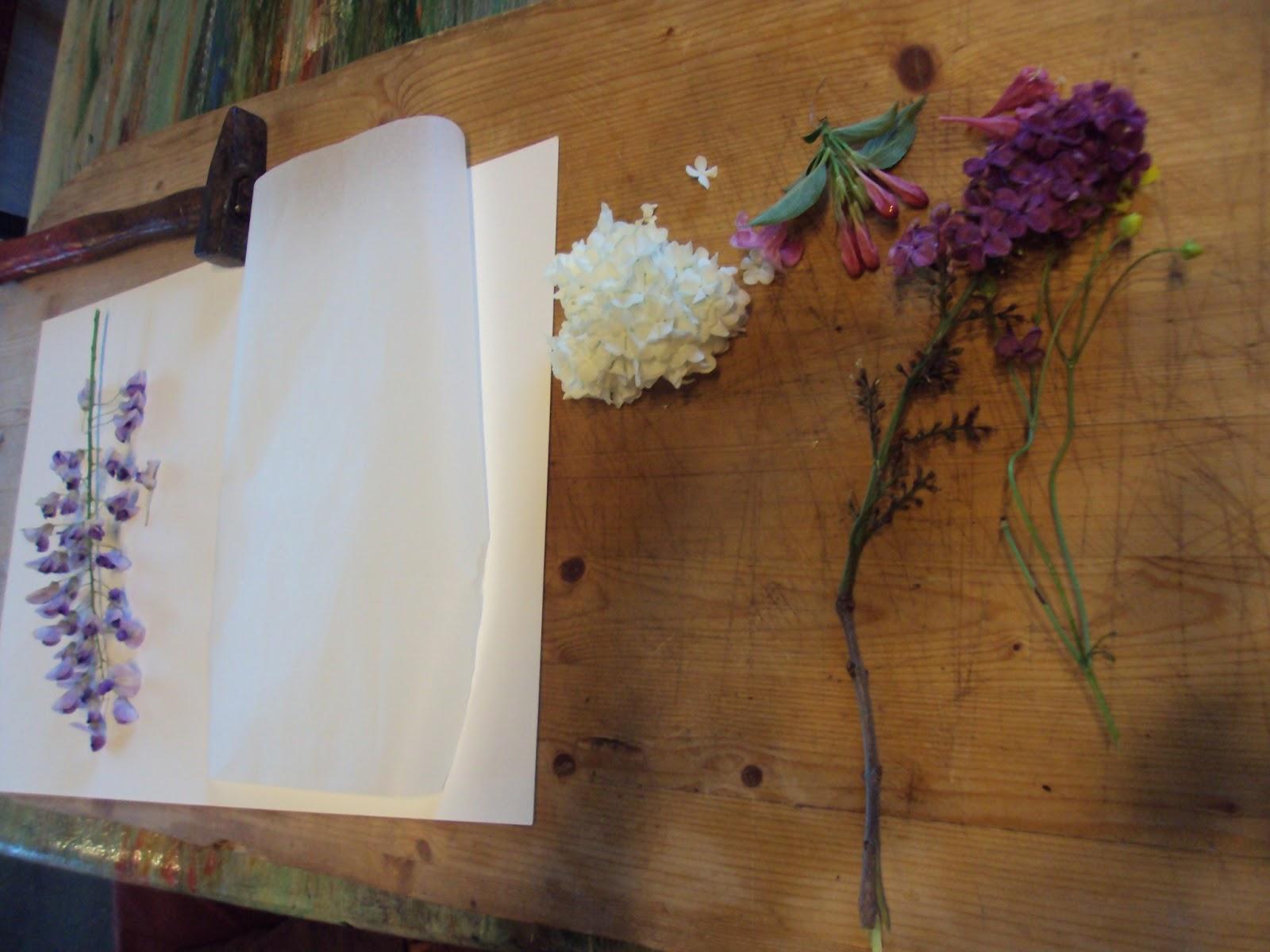 nounou pascale  du martelage floral pour les mamans