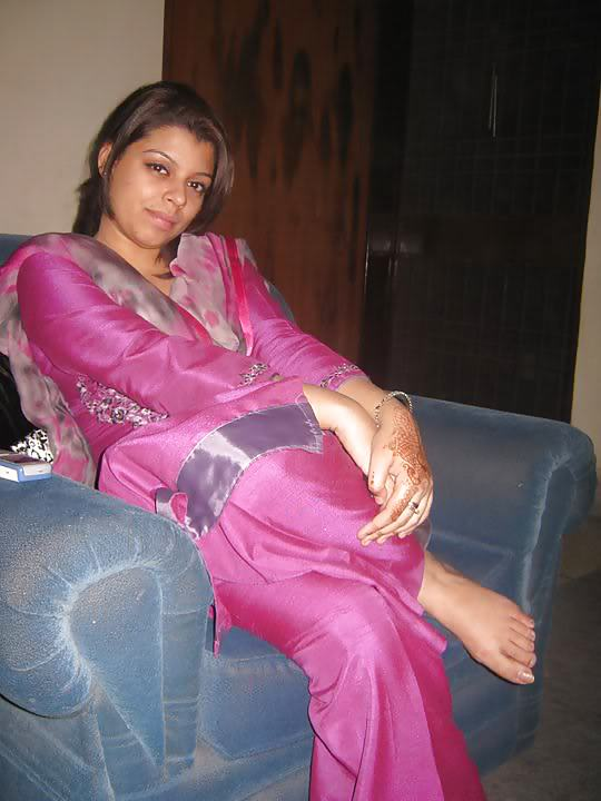 Owner My Mistress Billo Rani Malkin,S Feet Pics Bow Your -1235