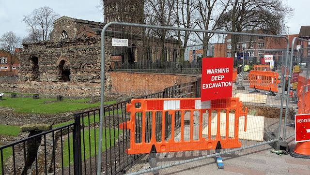 Roman walls, pottery and human remains unearthed in Leicester