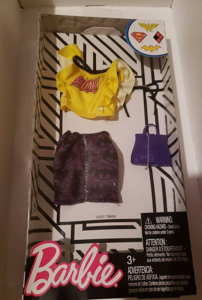 2018 Barbie Doll DC COMICS BATGIRL Fashion pack