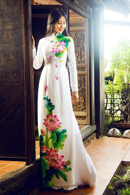 nên chọn họa tiết thêu hay vẽ lên vải áo dài là đẹp ?