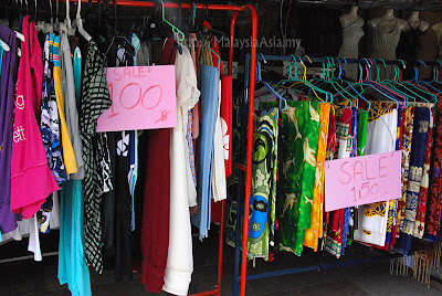 Sale at Ko Lipe Walking Street