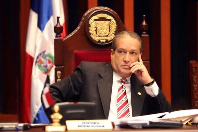"""Reinaldo Pared Pérez dice primarias abiertas no violenta la Constitución """"Leonel tiene miedo""""."""
