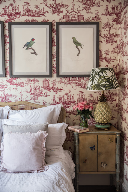 The bird prints above bed + Pineapple lamp + Wallpaper French toile (Cool Chic Style Fashion)