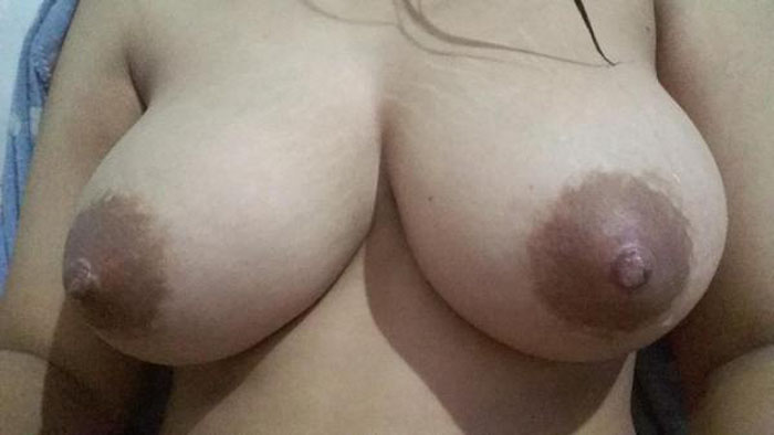 desi boudi boobs