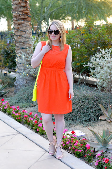 how-to-wear-bright-colors