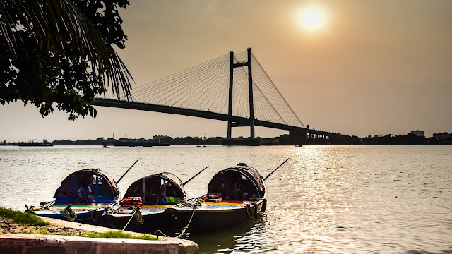 Take a Walk Through James Prinsep Ghat: A Visual Guide to The Picturesque Ghat of Kolkata