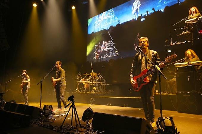 Müzik Birleştirdi: mor ve ötesi @ Zorlu PSM 20. Yıl Konseri
