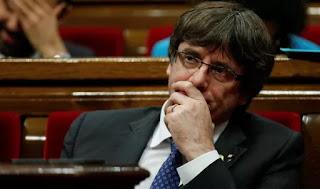Carles Puigdemont, querellado por rebelión, sedición y malversación en España, llegó el lunes a la capital belga y se puso en contacto con un ex abogado de ETA experto en temas de refugio político. Hablará a las 11:30 GMT en el Brussels Press Club