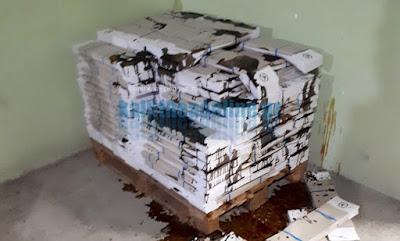 Άγνωστοι κατέστρεψαν όλα τα ψηφοδέλτια της Χρυσής Αυγής στην Καλλιθέα