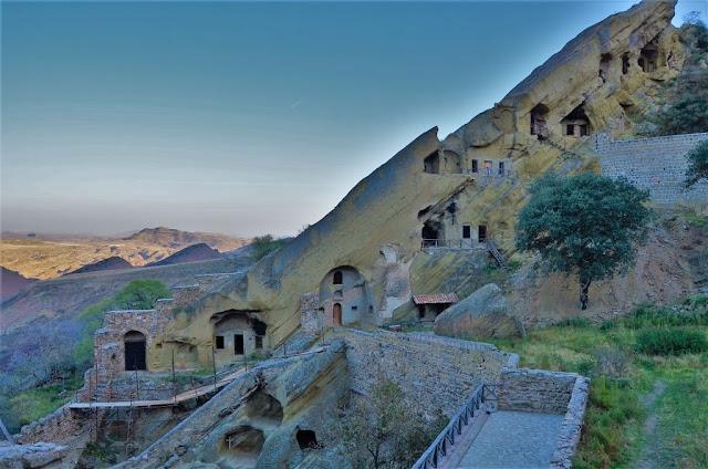 """Azerbaiyán """"sacó"""" a Georgia de un monasterio ortodoxo"""