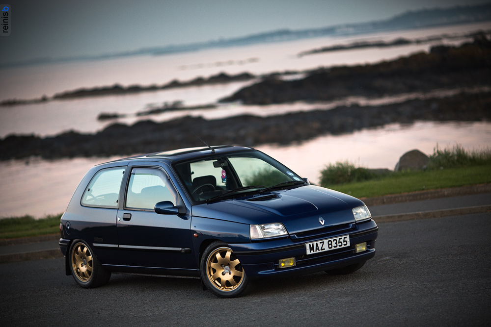 reinis babrovskis photography renault clio williams. Black Bedroom Furniture Sets. Home Design Ideas