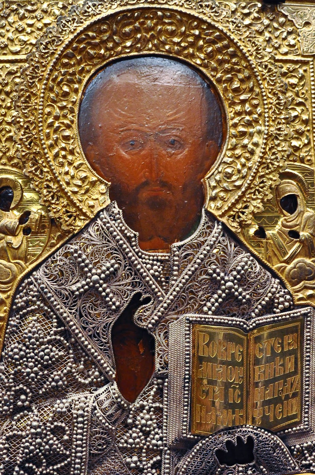 A Russian icon with an embossed metal and filigree covering, Gallerie d'Italia, Palazzo Leoni Montanari, Vicenza, Italia