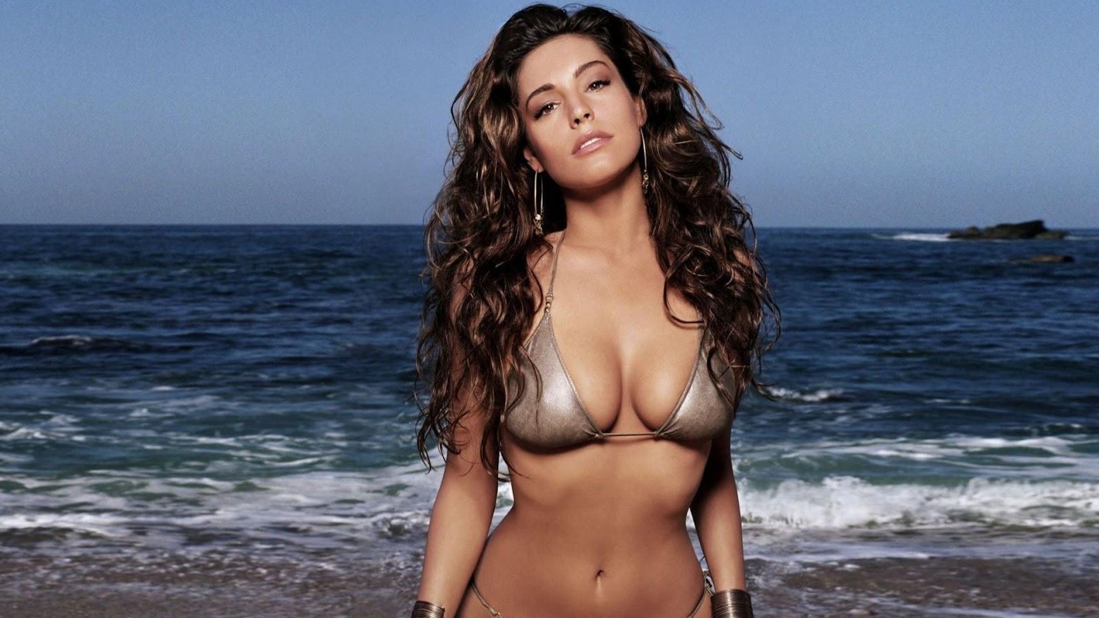 Free pictures gorgeous women in bikini