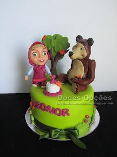 Bolo de aniversário com Masha e o Urso
