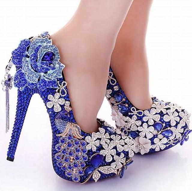 Welche Schuhe Zu Blauem Kleid