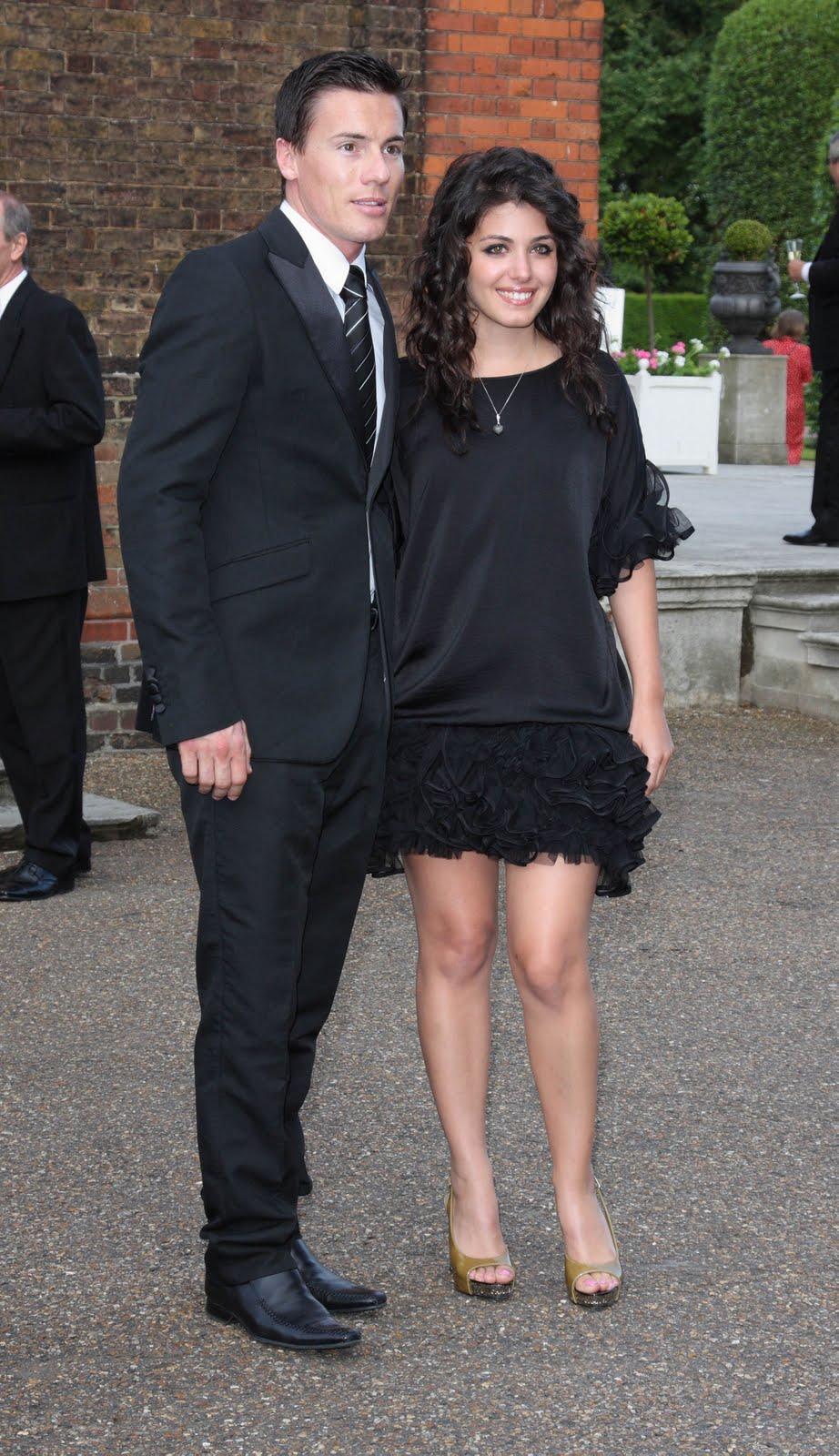 Katie Melua Flirty Black Dress At The Orangery Topaiditisplateias
