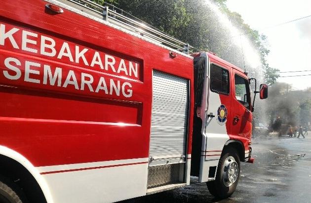 Mobil Pemadam Kebakaran Kota Semarang