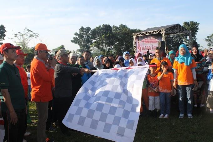 Walikota Lepas Peserta Jalan Santai dan Fun Bike Kecamatan Sawangan