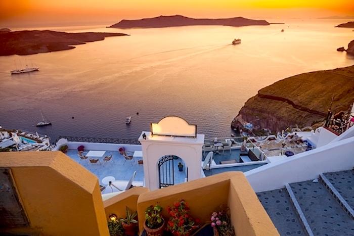 Santorini Cyklady, Santorini wulkan, Santorini jak się dostać, Prom na Santorini, Santorini zachód słońca, Santorini Grecja, Santorini ceny