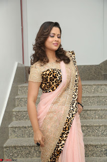 Shilpa Chakravarthy in Lovely Designer Pink Saree with Cat Print Pallu 030.JPG