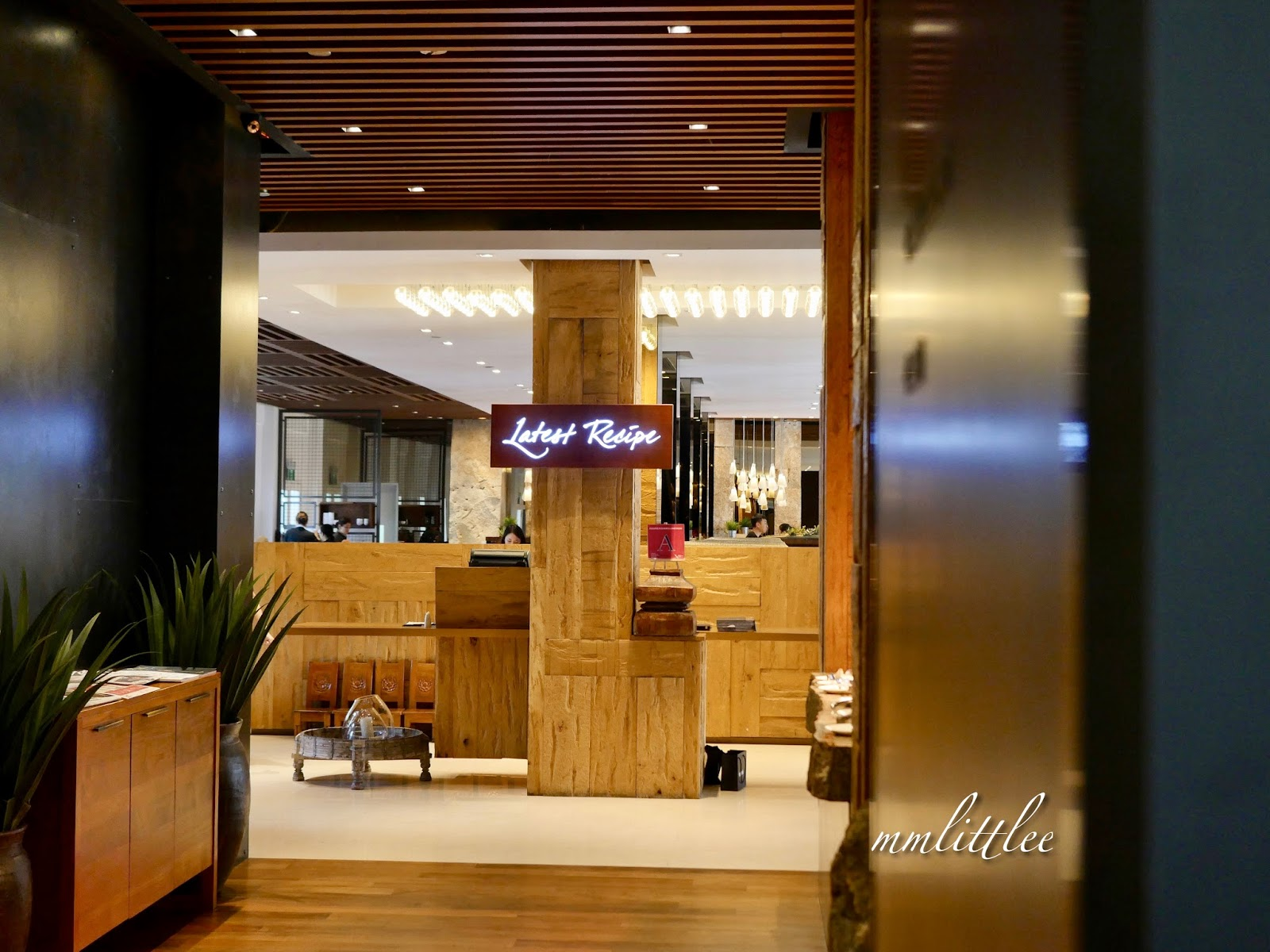 Le Mridien Singapore Sentosa The Merlion Suite For Families A Wings Of Time Show 1940 Voucher Unlock Art With Meridien And National Gallery