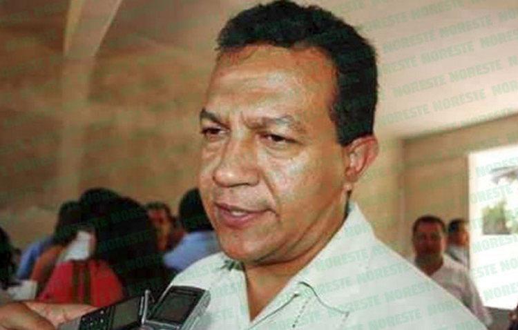 Sicarios intenta levantar a Juan Cruz Elvira, ex alcalde y diputado local de Ciudad Isla, Veracruz.