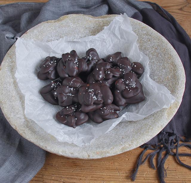 Bombones de chocolate y almendra - Dulces bocados
