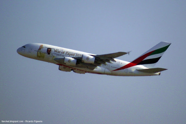 A6-EEU - EMIRATES - AEROPORTO DO DUBAI - A380