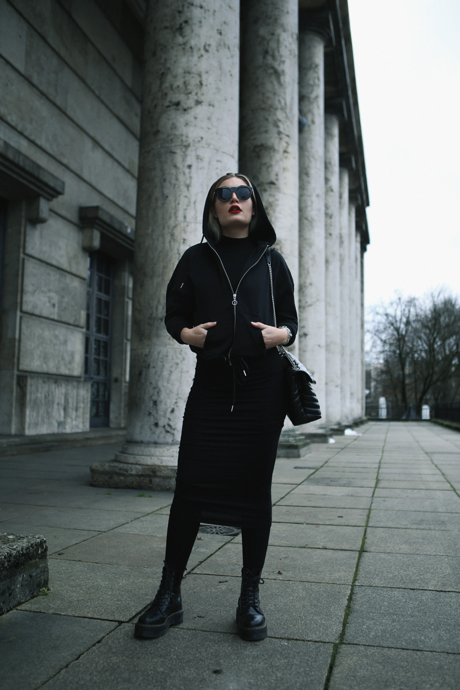 lauralamode-outfit-ootd-streetstyle-style-fashion-fashionblogger-blogger-mode-urban classics-le specs-dr martens-doc martens-munich-muenchen-muc