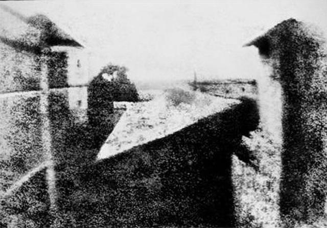 Fotos de produtos históricos nas épocas dos respectivos lançamentos