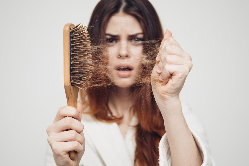 Cara Merawat Rambut Rontok Menggunakan Minyak Kelapa