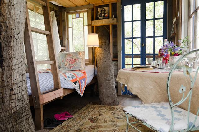 แบบห้องนอนเตียงนอนไม้