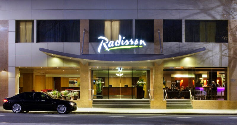 Hotel Radisson on Flagstaff Gardens Melbourne. Entrada