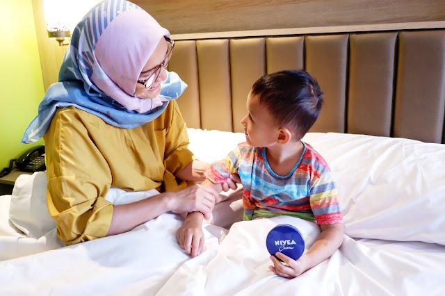 penuhi hak anak melalui sentuhan ibu dengan mendongeng