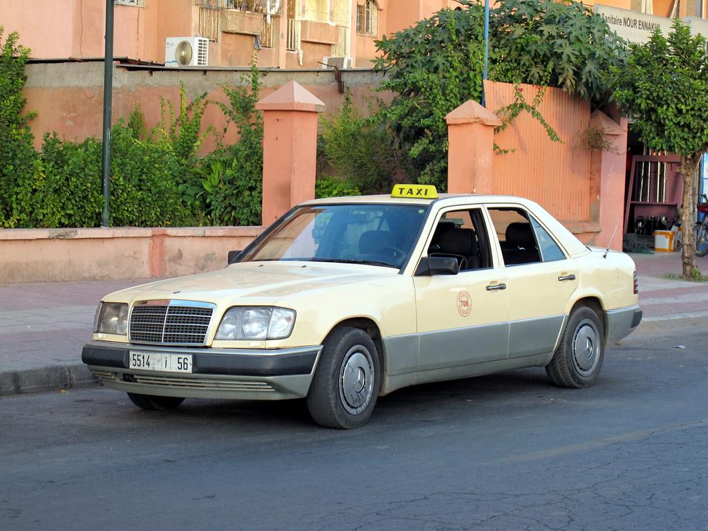 Mercedes-Benz W124 Taxi   BENZTUNING