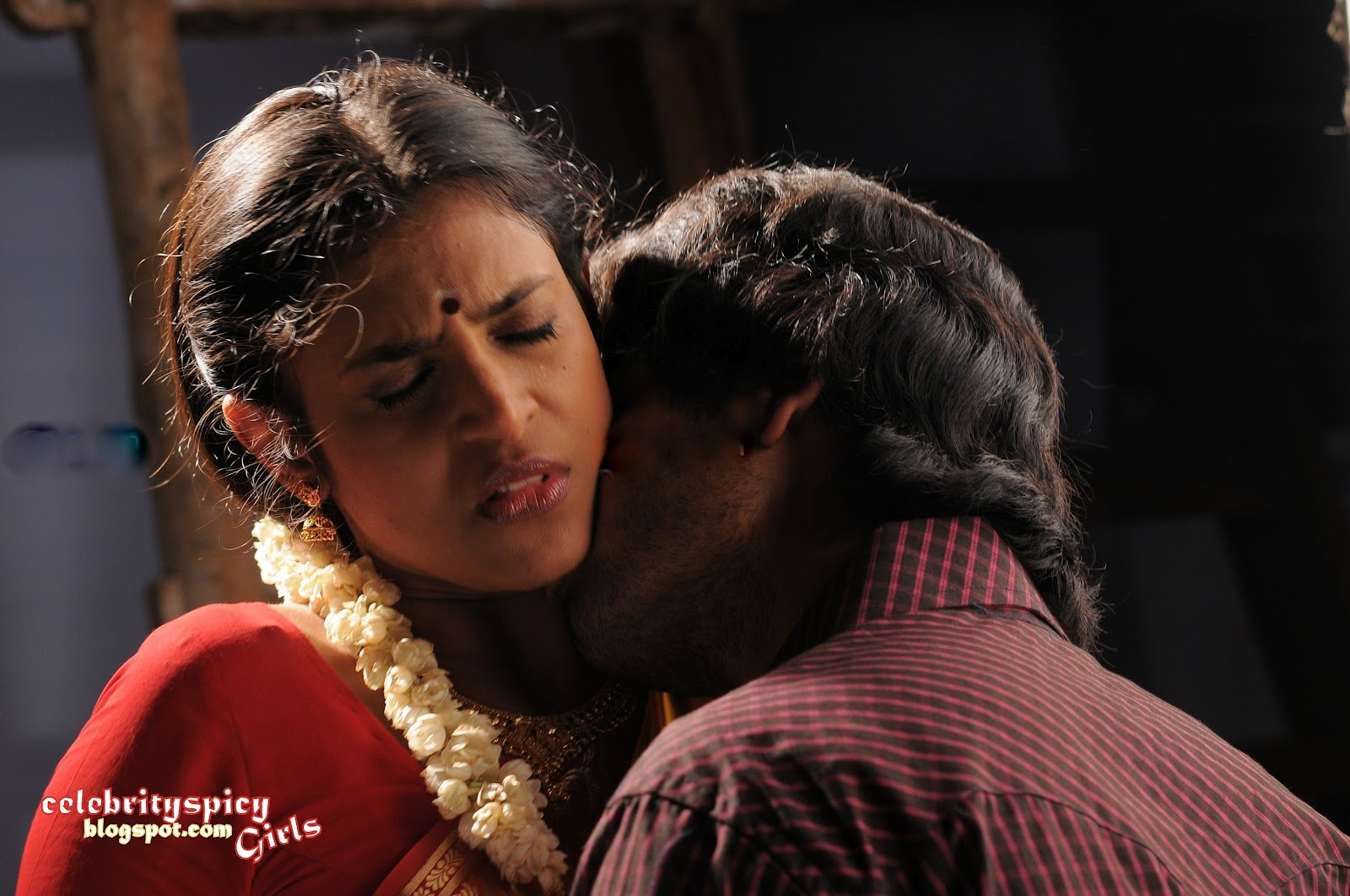 South Old Miss-Madras And Actress Kasthuri Sexy Love Scene -4766
