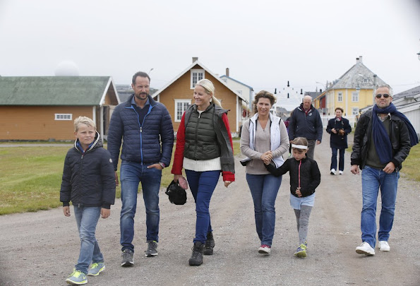 Crown Prince Haakon and Crown Princess Mette-Marit of Norway, Princess Ingrid Alexandra and Prince Sverre Magnus, Princess Martha Louise of Norway and her husband, Ari Behn and their daughters Maud Angelica, Leah Isadora, Emma Tallulah