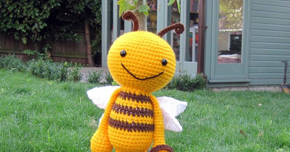 Amigurumi Maneki Neko Free Pattern : Bee - Sayjai Amigurumi Crochet Patterns ~ K and J Dolls ...