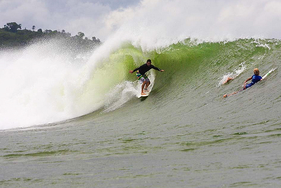 surfing astillero rivermouth nicaragua