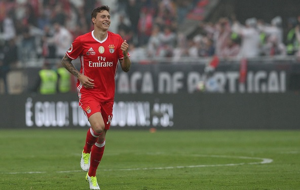 Manchester United set to complete Victor Lindelof deal